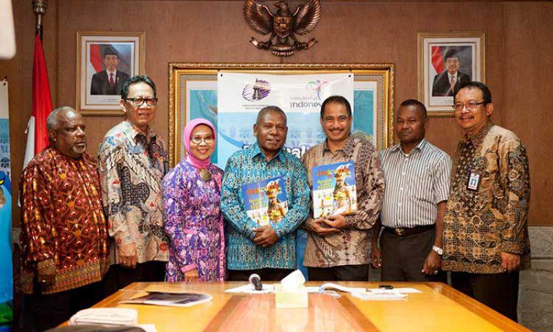 Festival Danau Sentani  2015 Memperkuat Daya Saing Pariwisata Indonesia