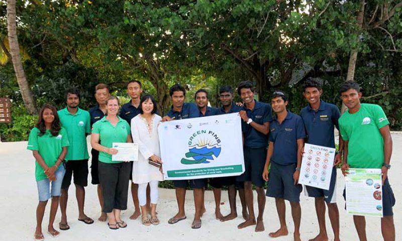 Centara Hotels & Resorts Melindungi Kekayaan Bawah Laut Maldives