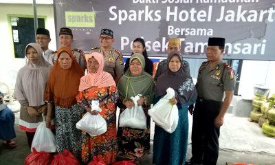 Sparks Hotel Jakarta dan Polsek Taman Sari Adakan Bakti Sosial