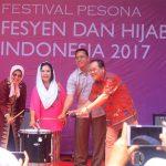 Kementerian Pariwisata Selenggarakan Festival Pesona Fesyen dan Hijab Indonesia 2017