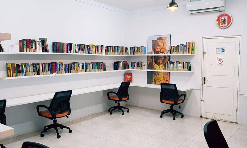 Bekerja dan Meeting di Ruang Hampa