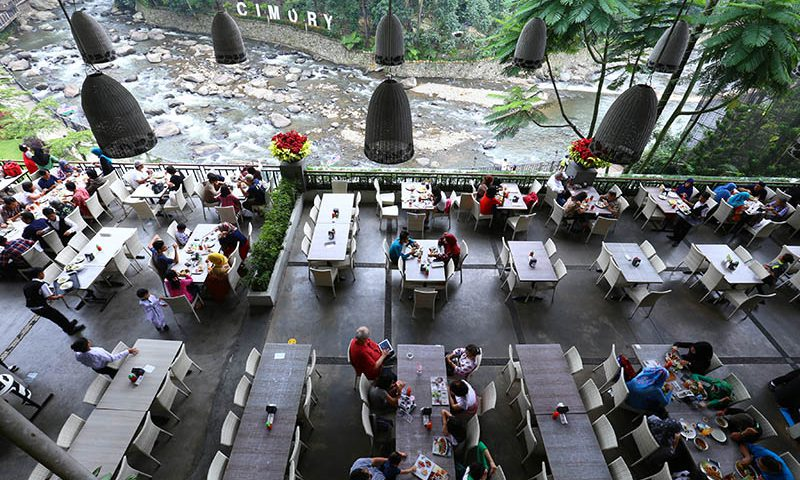 "Cimory Resto Riverside, Layanan ""One Stop Entertainment"""