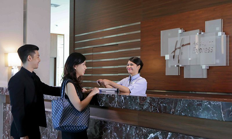 Promo Spesial bagi Hotelier dan Agen Wisata dari Holiday Inn Express JIExpo