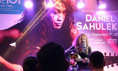 Konser Intim Daniel Sahuleka di THE 1O1 Darmawangsa