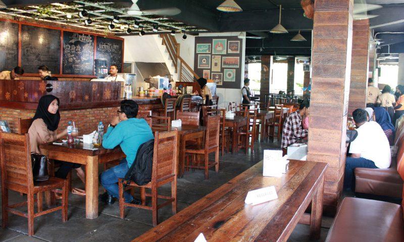 Karambia Cafe & Hangout, Menguntai Filosofi Kelapa