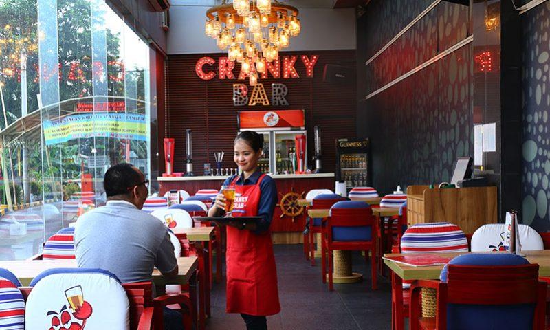 Cranky Crab, Bersua Kolega Bisnis di Atas Bahtera
