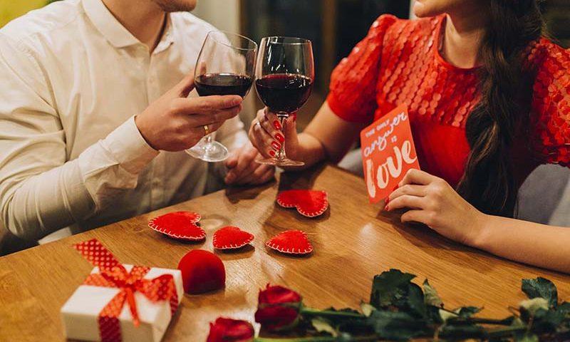 Holiday Inn & Suites Gajah Mada Siapkan Paket Makan Malam Valentine Super Romantis