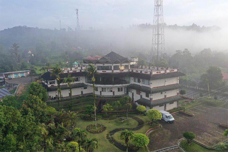 Parkside Nuansa Maninjau Resort