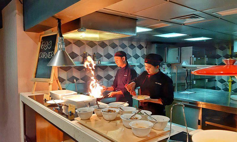 Swiss-Cafe Restaurant Tampilkan Live Cooking Setiap Harinya