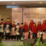 Grand Tjokro Premiere Bandung Berbagi Kebahagiaan dengan Anak Yatim