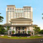 Nikmati Kelas Yoga dan Sarapan Sehat di Hotel Santika Premiere Slipi Jakarta