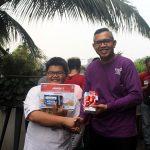 Lomba Makan Roti 74 Sentimeter di THE 1O1 Bogor Suryakancana