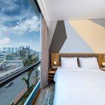 Holiday Inn Express Jakarta Matraman Bagi-Bagi Hadiah