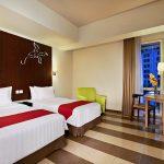 Kemilau Cahaya Pergantian Tahun Let's Glow Party di Atria Hotel Gading Serpong