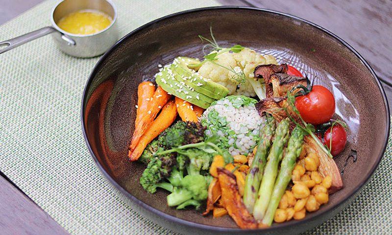 Makan Sehat di Riva Grill Bar & Terrace
