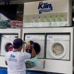 Wings Peduli Sediakan Dapur Umum dan Mobil Cuci Pakaian bagi Korban Banjir