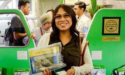 Tiket.com Bagi-Bagi Masker dan Hand Sanitizer di Pesawat