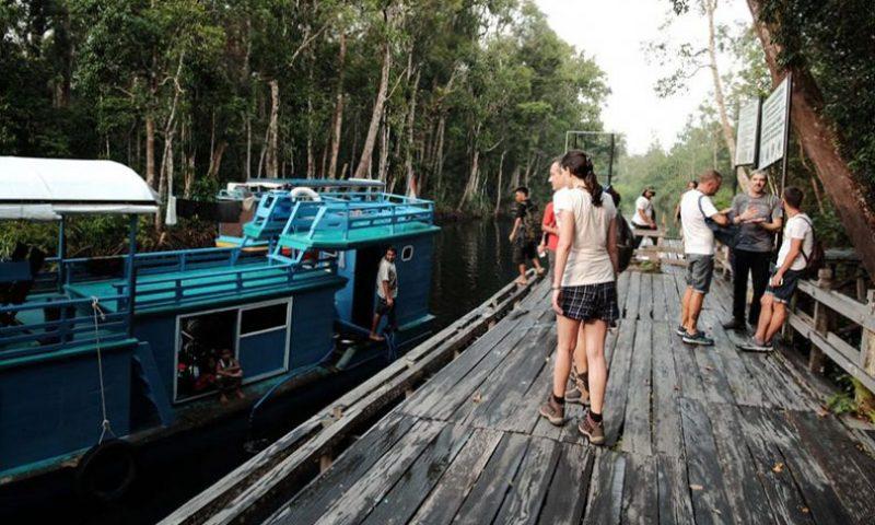 Pemda Diminta Bantu Selamatkan Industri Pariwisata dan Ekraf