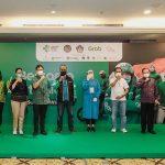 3.000 Pekerja Pariwisata di Bali Terima Vaksin Tahap Pertama