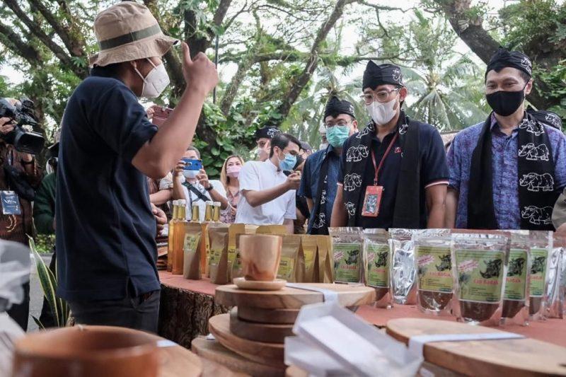 Sandiaga Uno mengunjungi ekonomi kreatif di KEK Tanjung Lesung