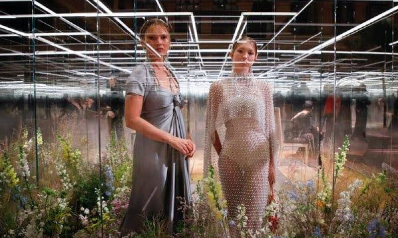 Lockdown Dilonggarkan, Pekan Mode Paris Segera Digelar Secara Fisik
