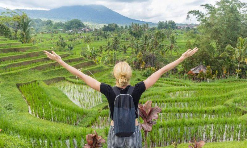 Sandiaga Uno Evaluasi Kebijakan Bebas Visa ke Indonesia